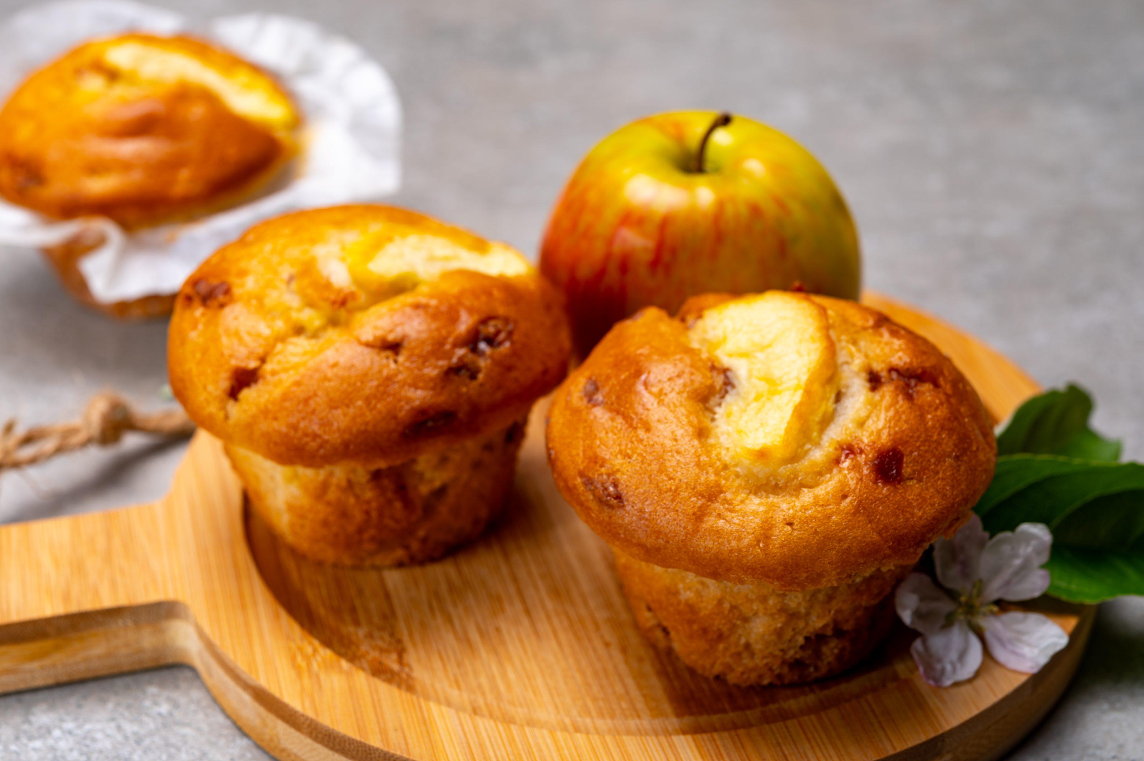 Muffin alle mele soffici: la ricetta con la cannella