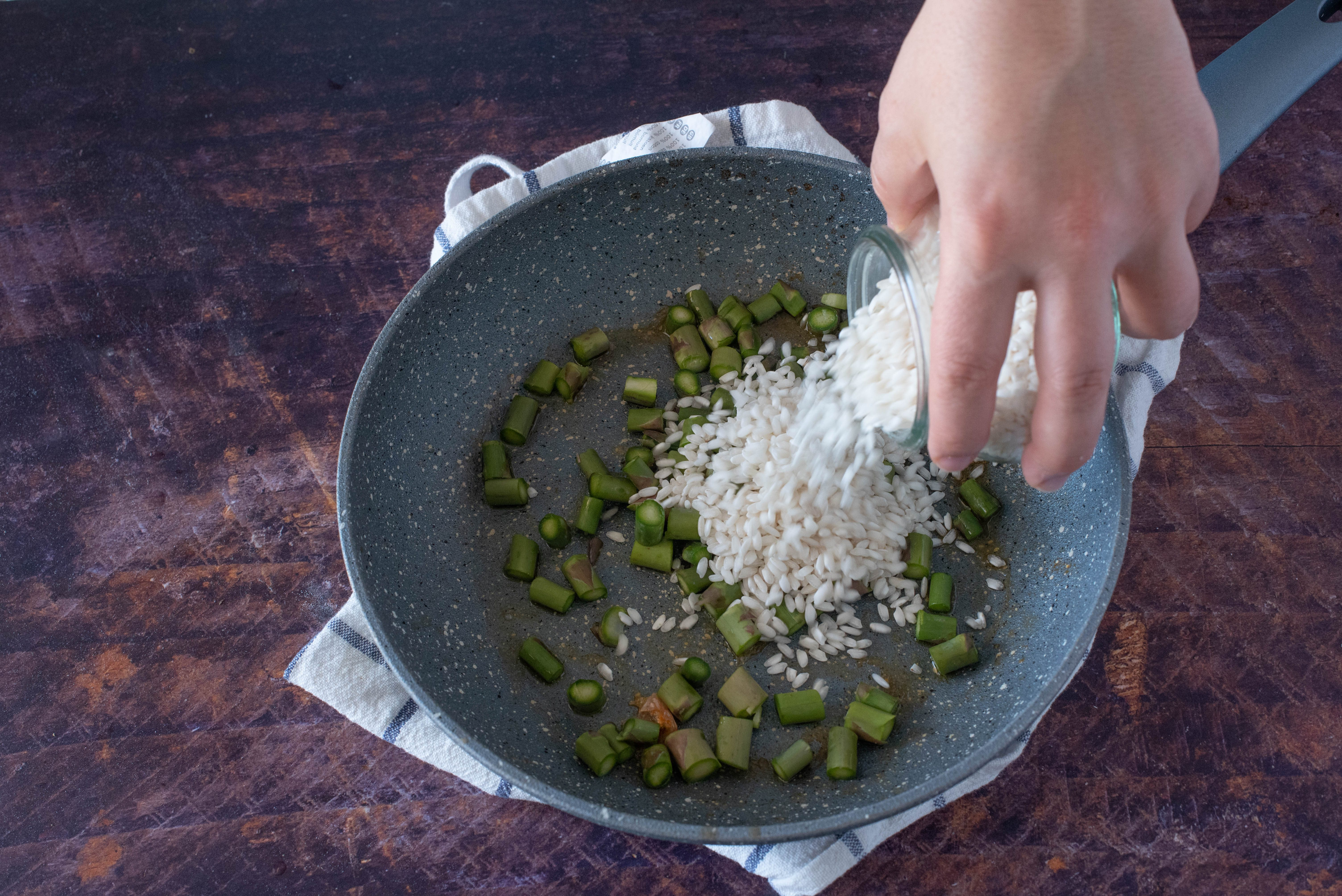 Risotto gamberi, asparagi e zafferano