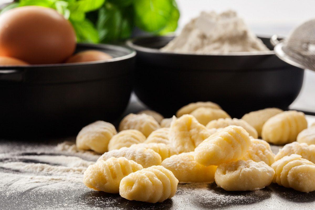 Gnocchi di patate: la ricetta base e i consigli della nonna per farli alla perfezione