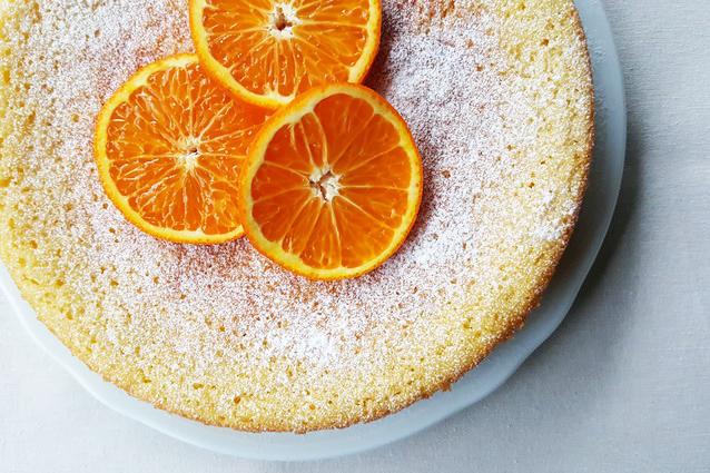 Torta all'arancia e yogurt: ricetta facile e leggera