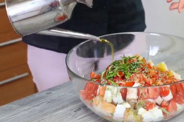 Come condire la panzanella