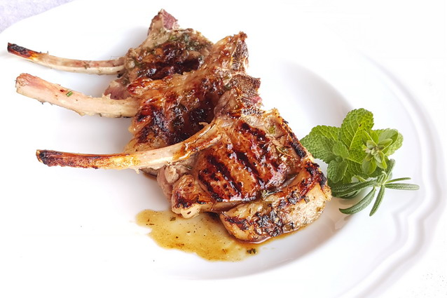 Costolette di agnello marinate: un secondo gustoso in poche mosse