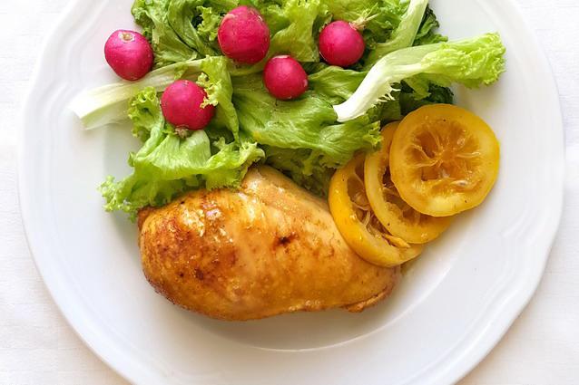 Petto di pollo alla paprika e limone: la ricetta facile da fare in padella