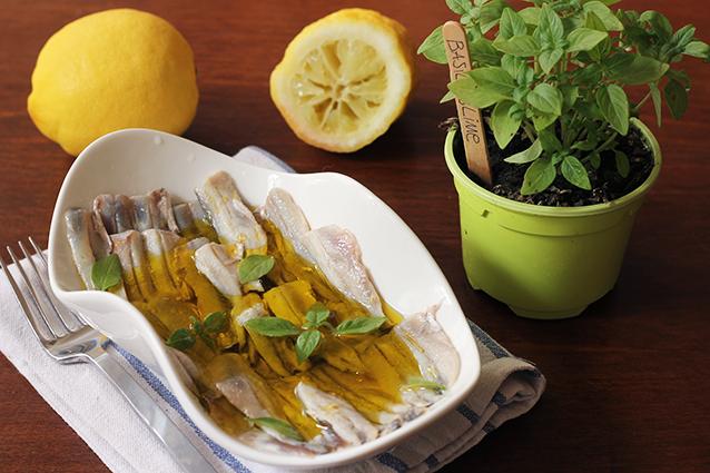 Alici marinate: ricetta originale, consigli di preparazione e varianti