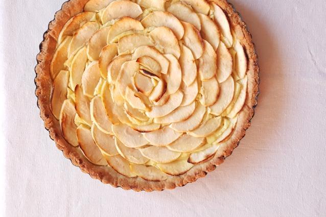 Ricetta Crema Pasticcera E Mele.Crostata Con Crema Pasticcera E Mele La Ricetta Deliziosa E Delicata