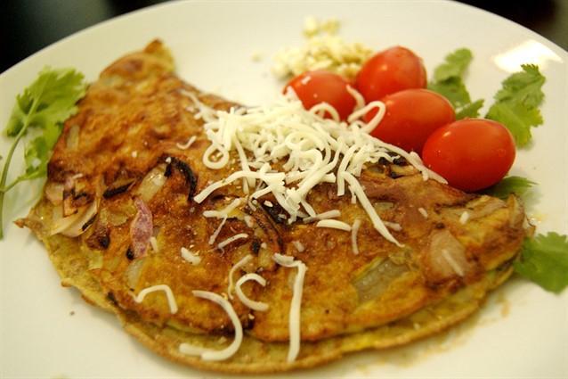 Frittata di cipolle: la ricetta semplice e veloce da fare con le cipolle di Tropea