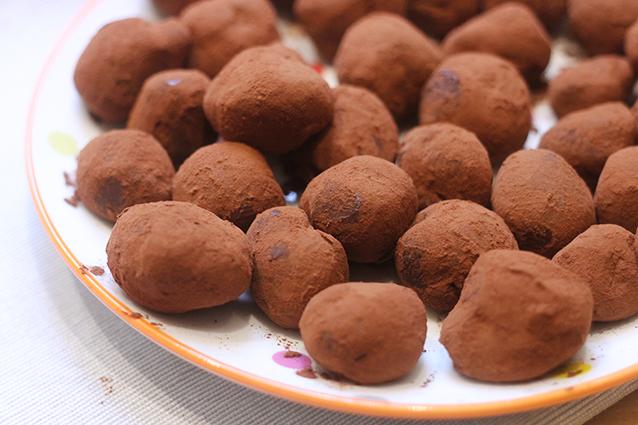Tartufi al cioccolato: la ricetta dei dolcetti golosi facili da preparare