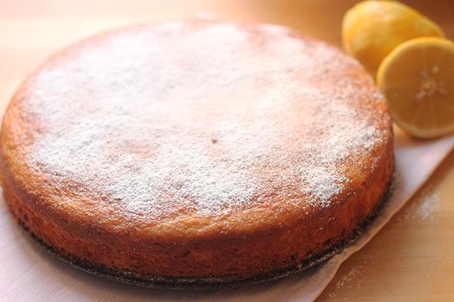 Torta 7 vasetti al limone: la ricetta semplice per farla soffice