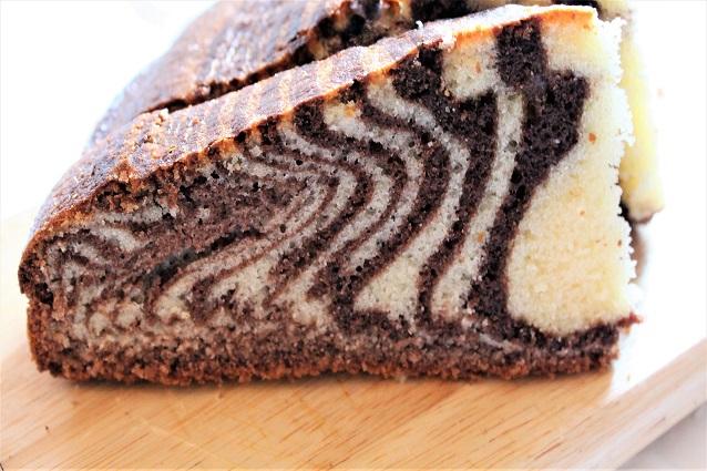Torta zebrata alta e soffice: la ricetta del dolce bicolore