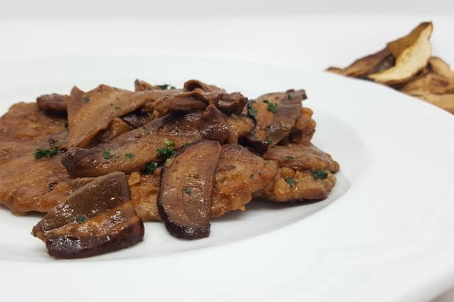 Scaloppine ai funghi: la ricetta per farle cremose