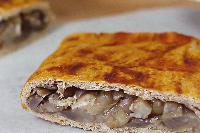 Calzoni ripieni al forno: la ricetta dei fagottini di pasta morbidi