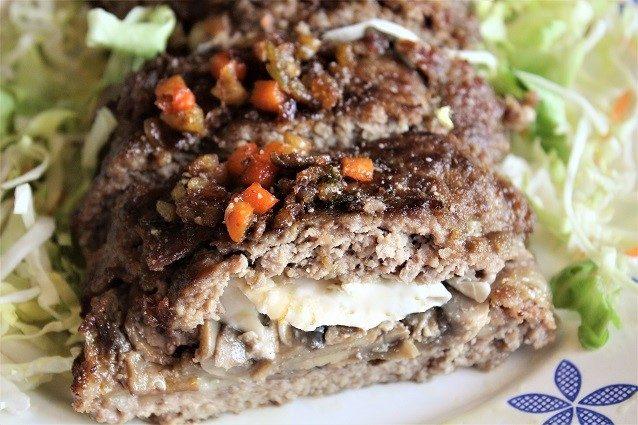 Polpettone di carne: la ricetta con funghi e scamorza