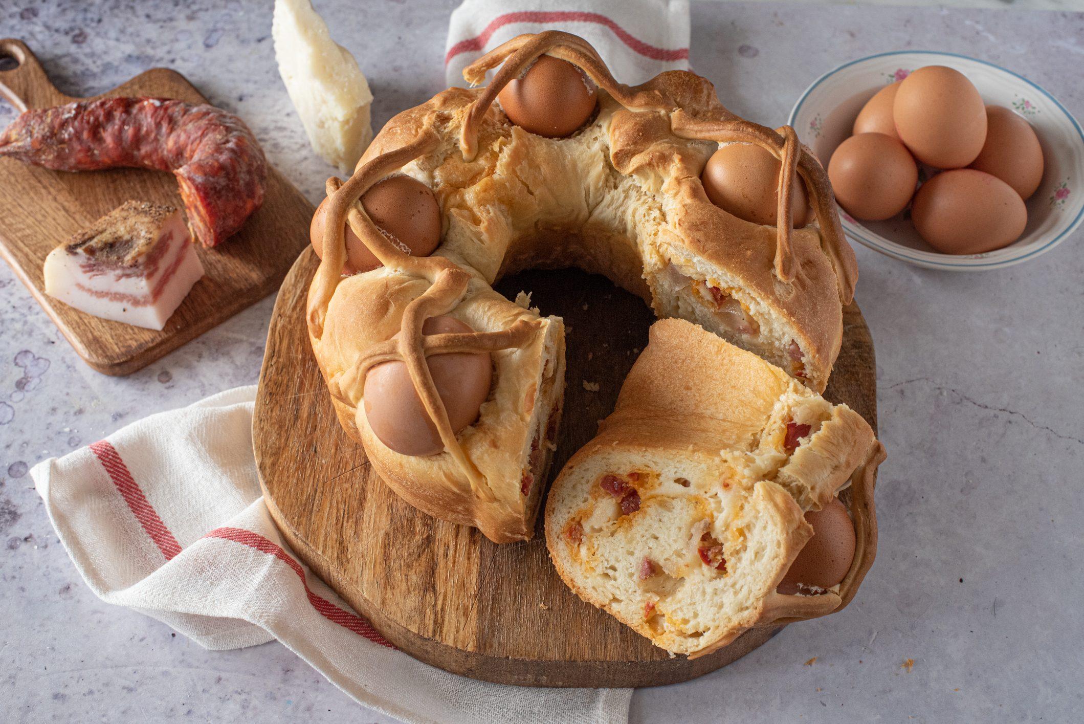 Casatiello napoletano: la ricetta del rustico tipico di Pasqua