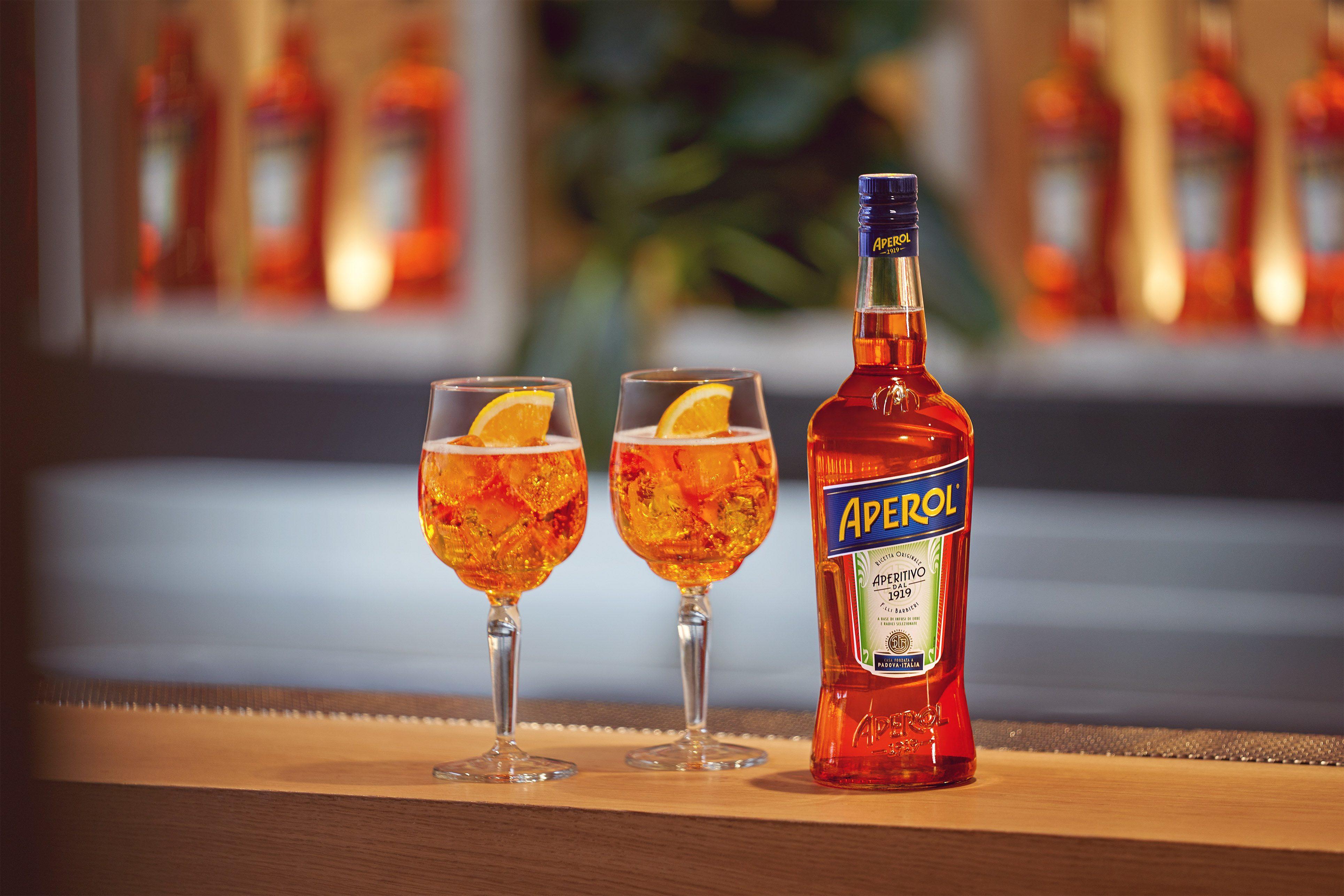 Spritz: la ricetta del famoso aperitivo arancione con dosi e ingredienti