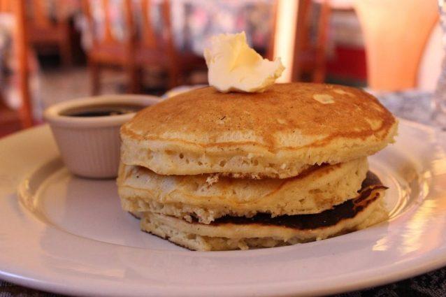 Ricetta Pancake Con Bicarbonato.Pancake Senza Lievito La Ricetta Ideale Per Una Colazione Veloce E Gustosa