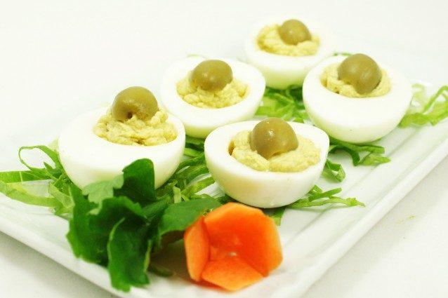 Uova alla russa: la ricetta per un antipasto pasquale sfizioso