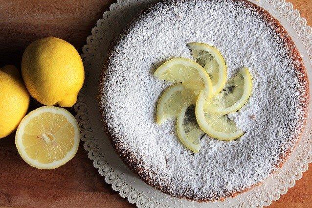 Caprese al limone: la ricetta della torta inventata da Sal De Riso