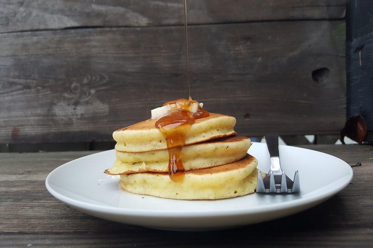Pancakes allo sciroppo d'acero: la ricetta per farli soffici e alti