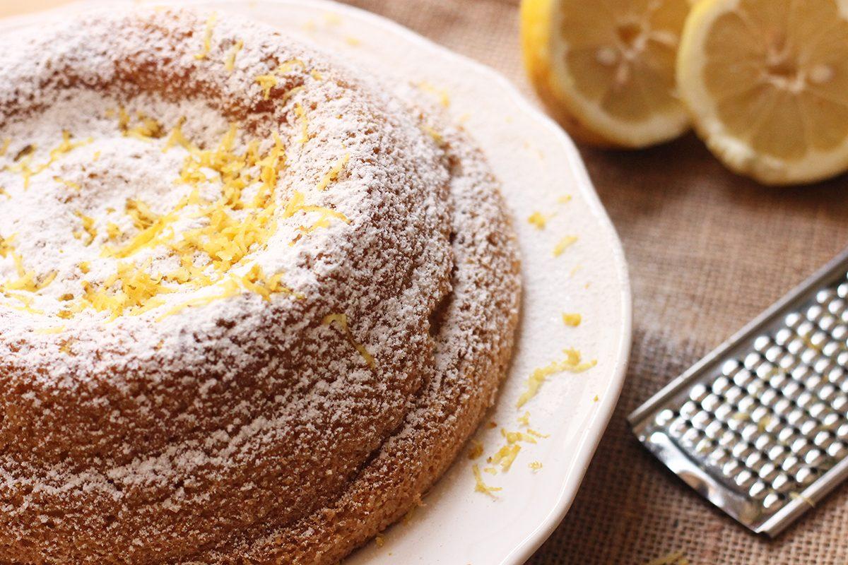 Chiffon cake: la ricetta originale per farla sofficissima