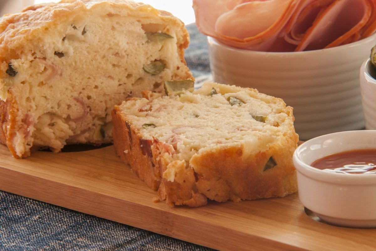 Torta salata con zucchine: la ricetta per prepararla morbida e fragrante