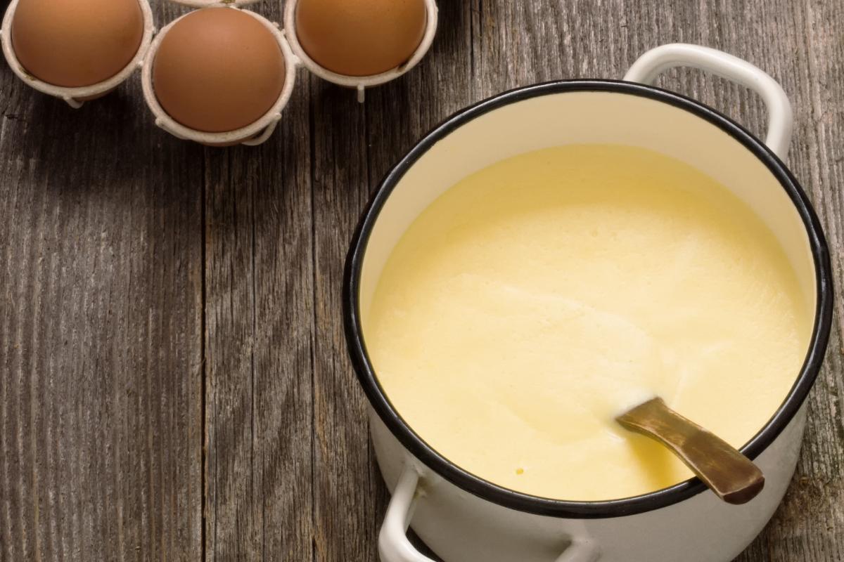 Crema inglese: la ricetta originale per farla senza grumi
