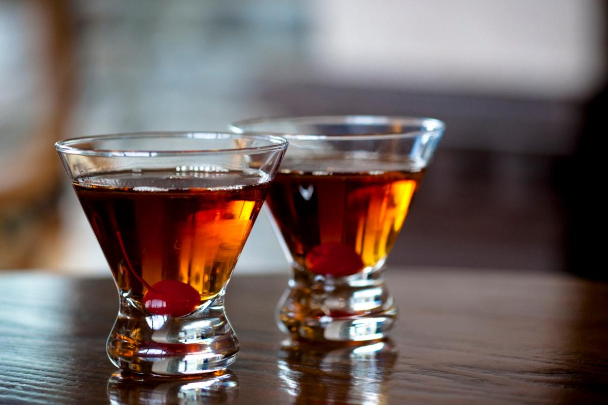 Manhattan cocktail: la ricetta originale, ingredienti e preparazione