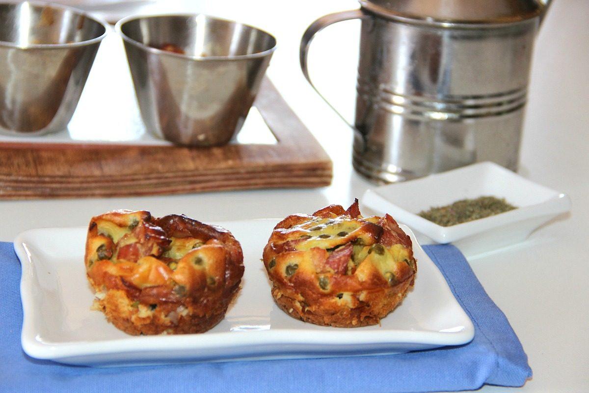 Muffin salati prosciutto e piselli: la ricetta di un finger food da buffet