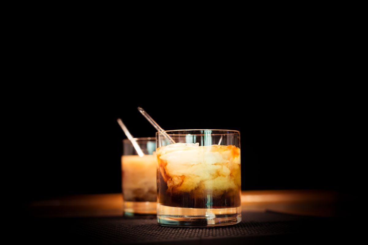 White Russian: la ricetta del cocktail del Grande Lebowski per farlo senza errori