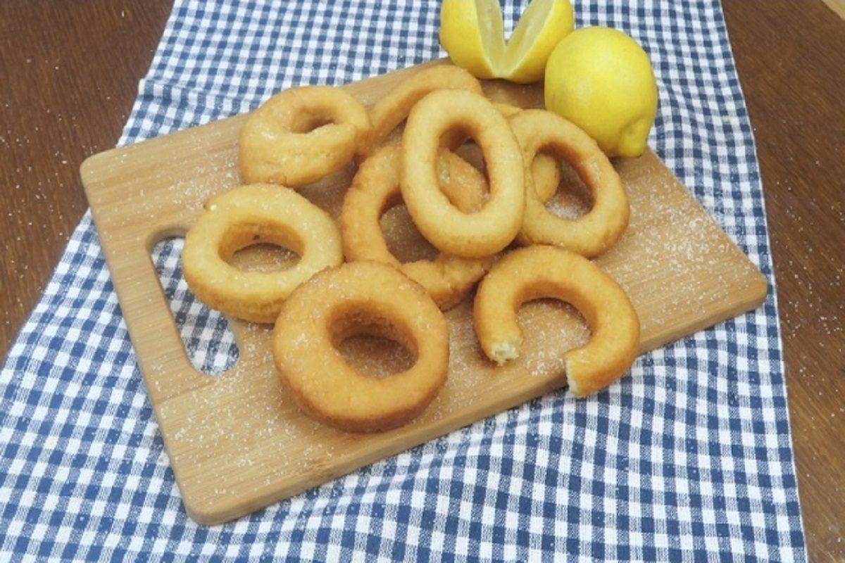 Ciambelline al limone: la ricetta per preparle soffici e golose in poco tempo