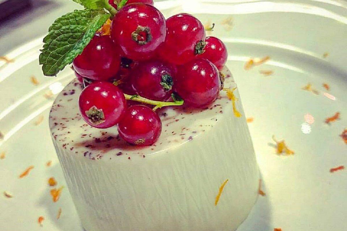 Crema bavarese: la ricetta del dolce al cucchiaio simile al budino
