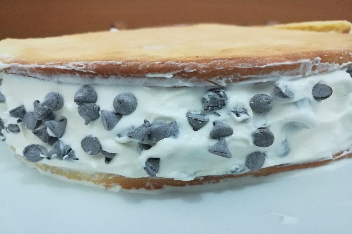 Torta gelato cookies: la ricetta fresca e veloce della torta gelato biscotto