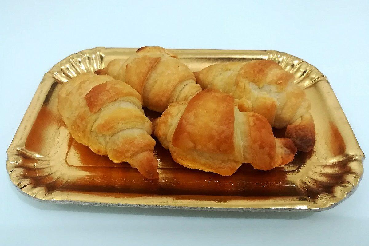 Cornetti sfogliati: la ricetta perfetta per farli come al bar