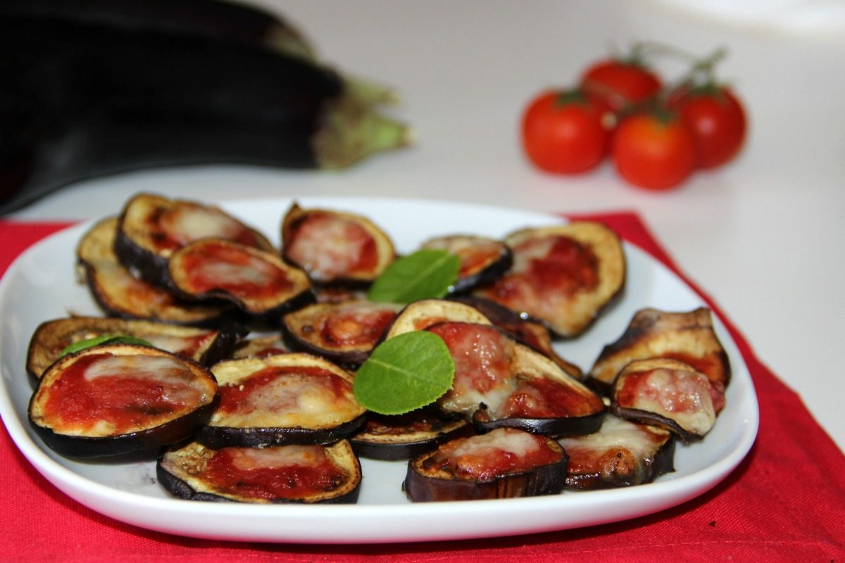 Pizzette di melanzane: la ricetta dell'antipasto sfizioso estivo