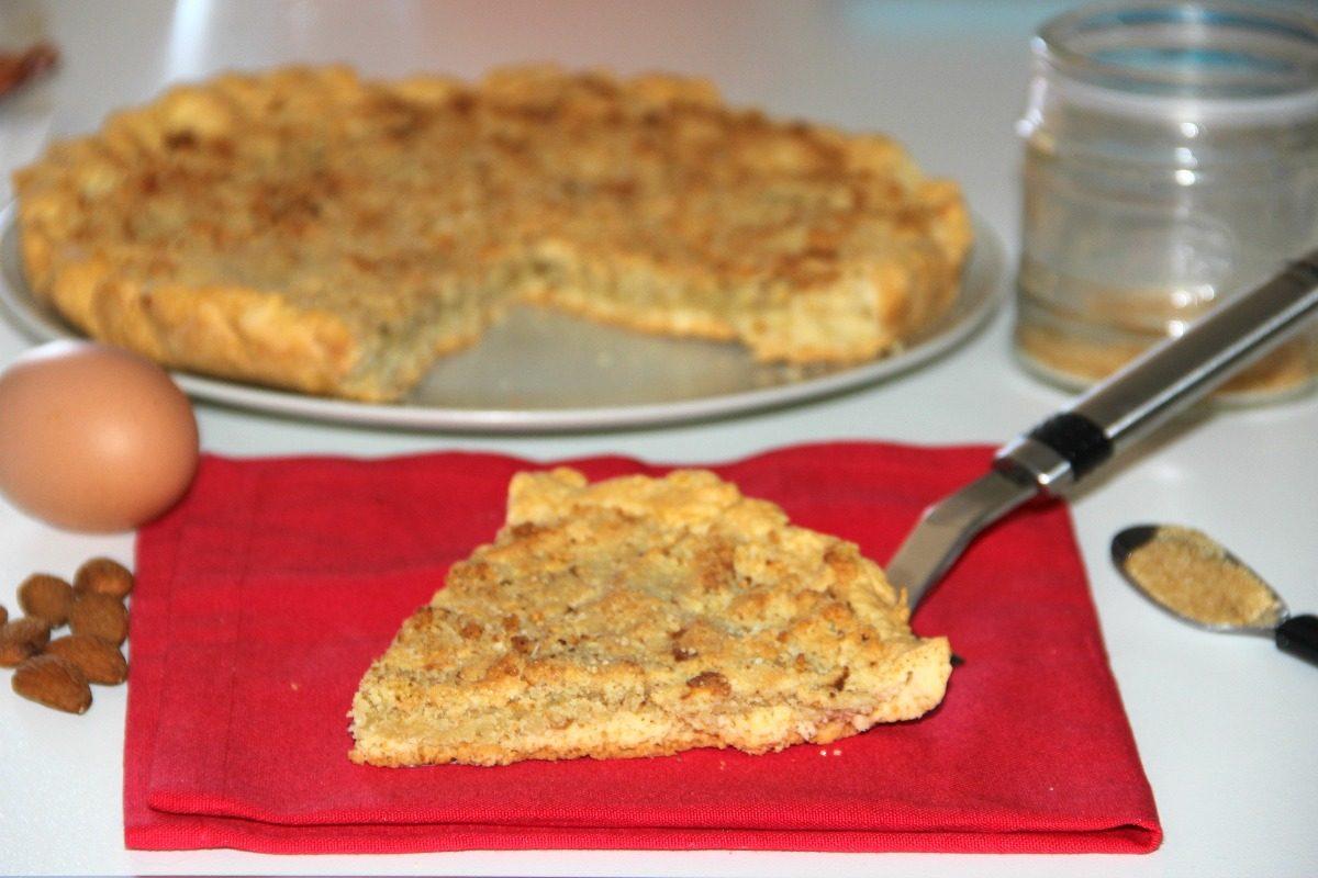 Torta frangipane: la ricetta del dolce delizioso al profumo di mandorla