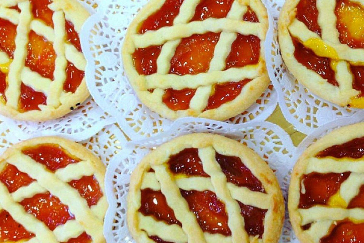 Crostatine alla marmellata: la ricetta delle merendine fragranti e genuine