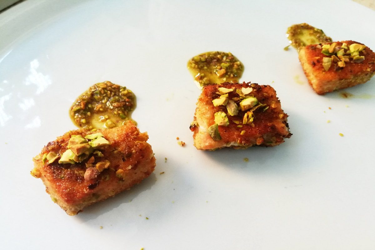 Salmone in crosta di pistacchi: la ricetta di un secondo irresistibile