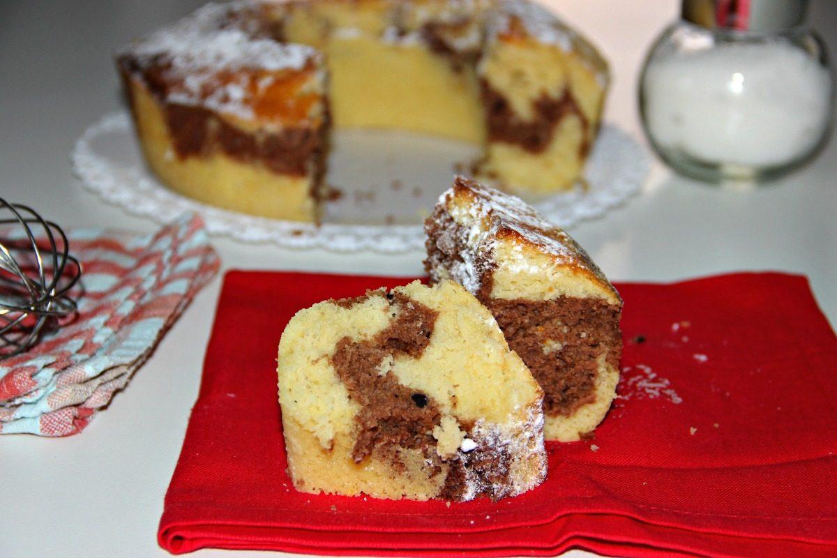 Ciambella bicolore: la ricetta del dolce perfetto per il buongiorno