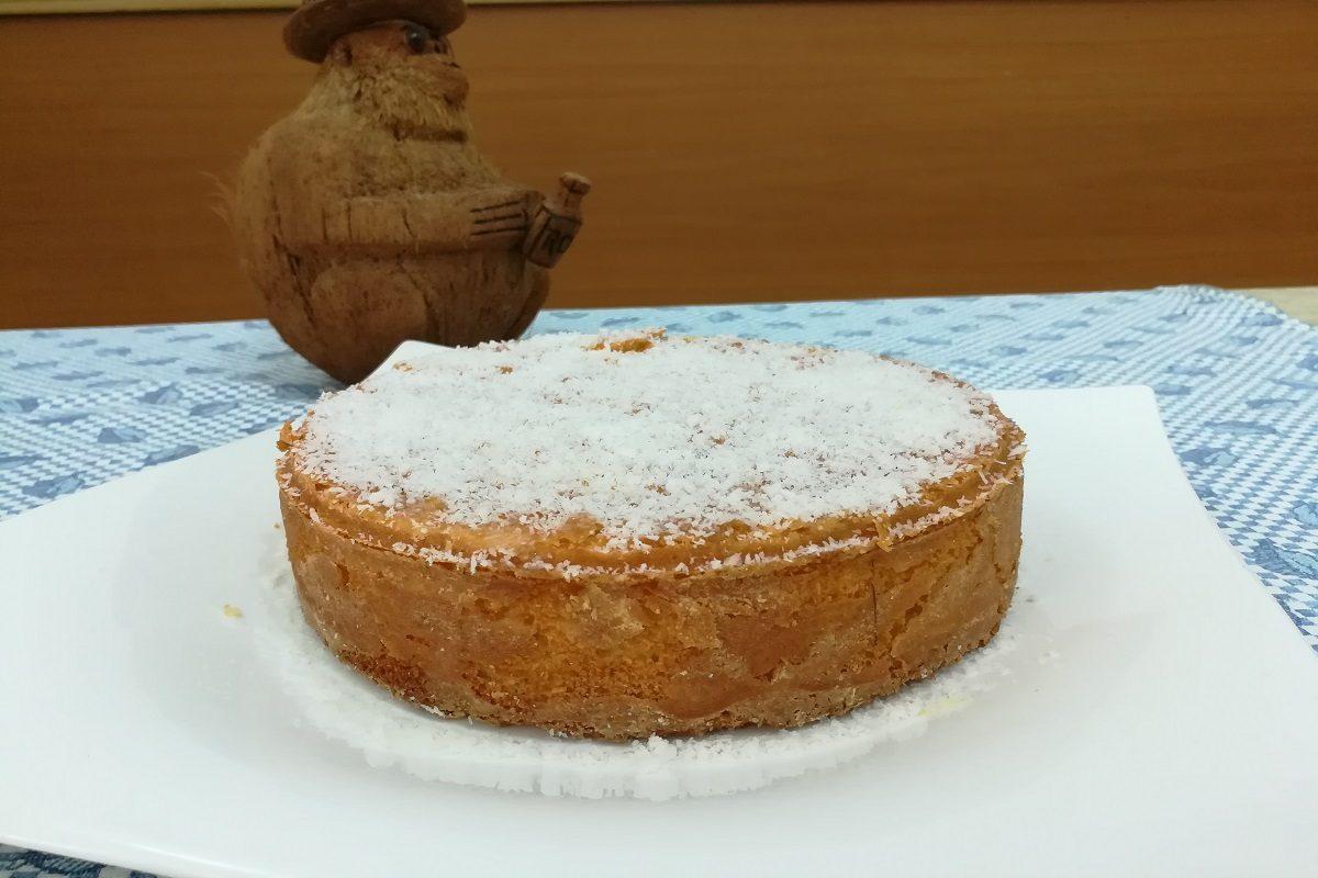 Torta al cocco: la ricetta per farla sofficissima e umida