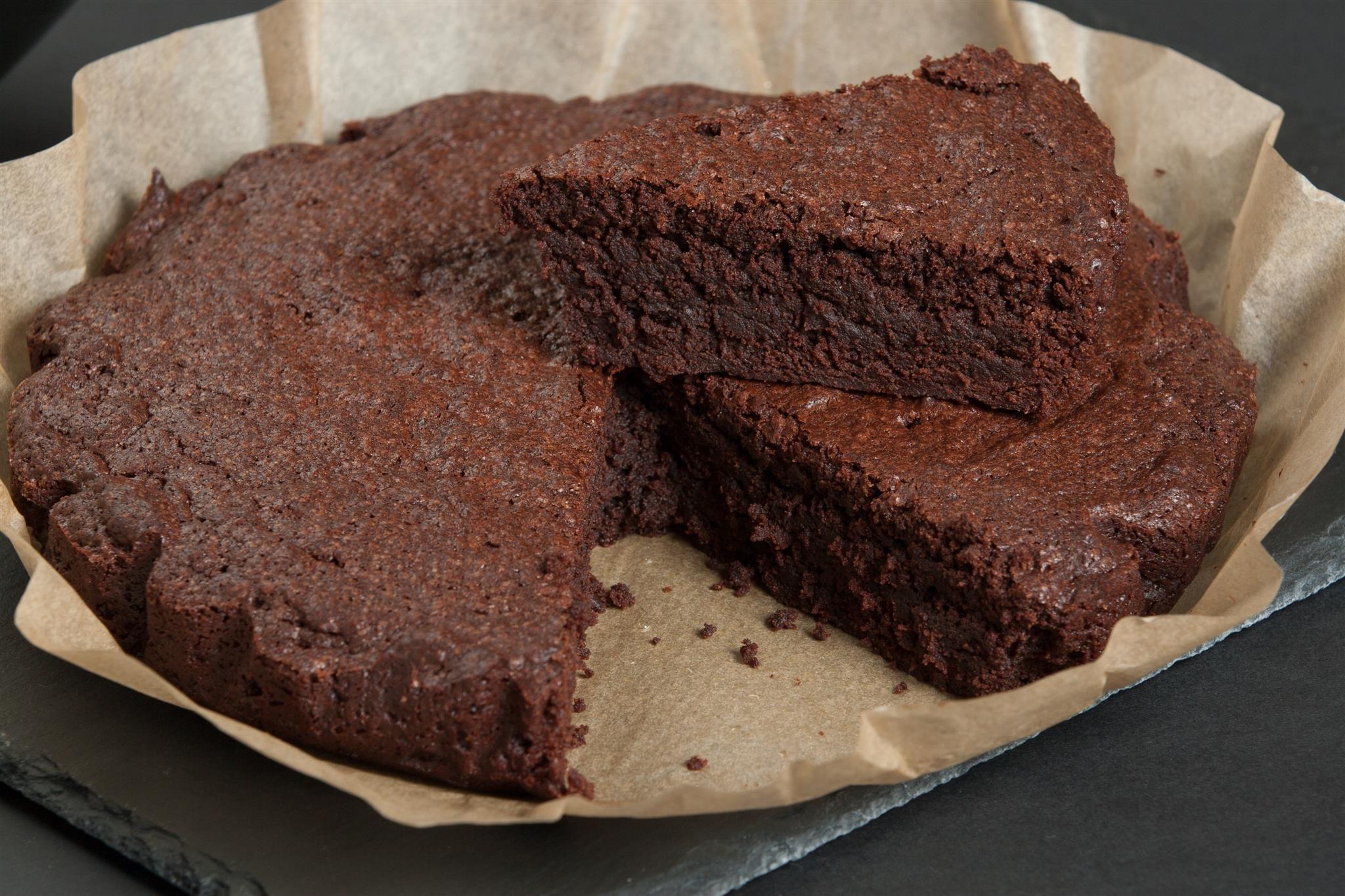 Torta magica alla nutella: la ricetta del dolce goloso e velocissimo da preparare