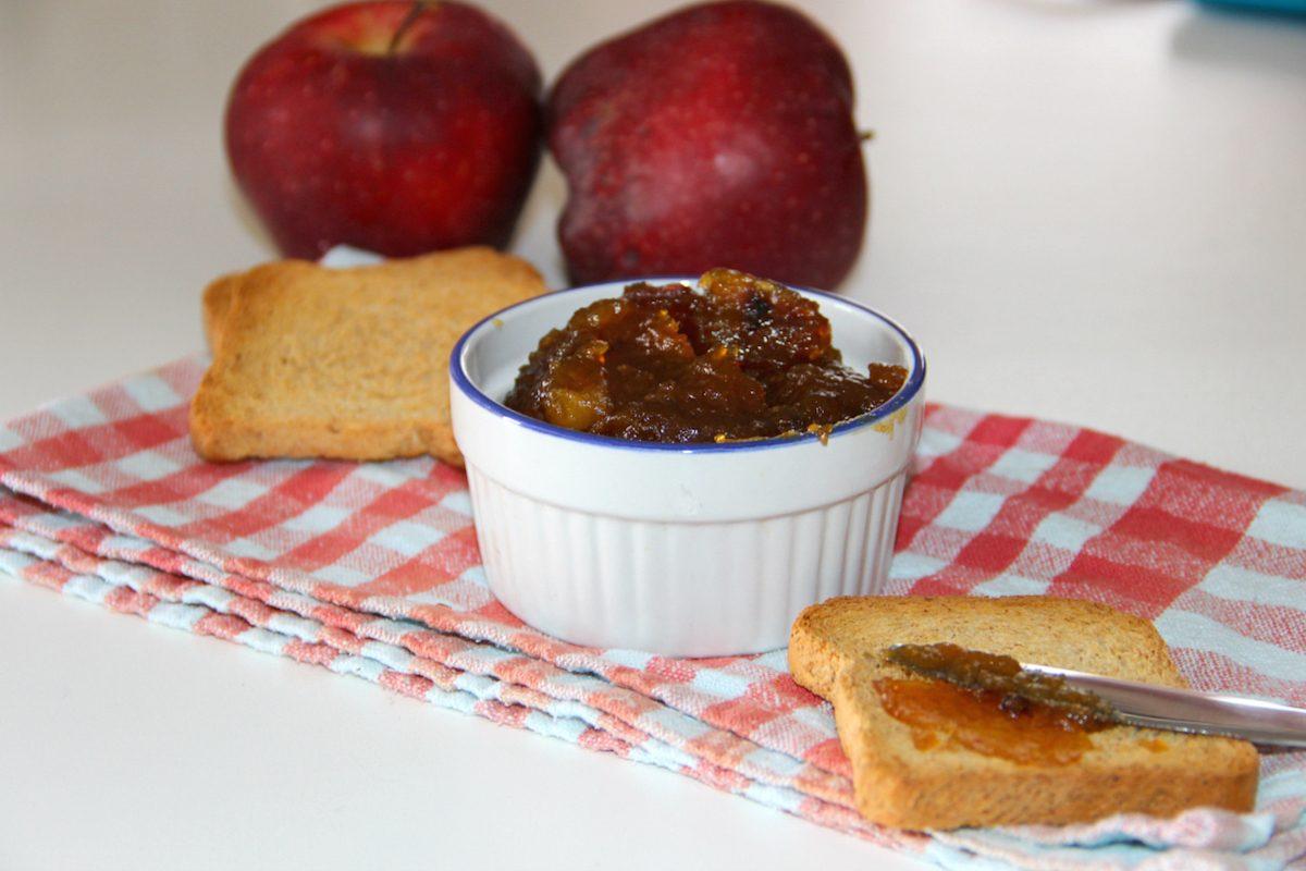 Marmellata di mele: la ricetta facile e veloce per farla in casa