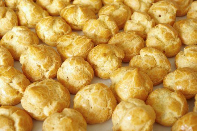 Ricetta Per Bigne.Pasta Choux La Ricetta Per Preparare La Pasta Bigne Leggera E Delicata