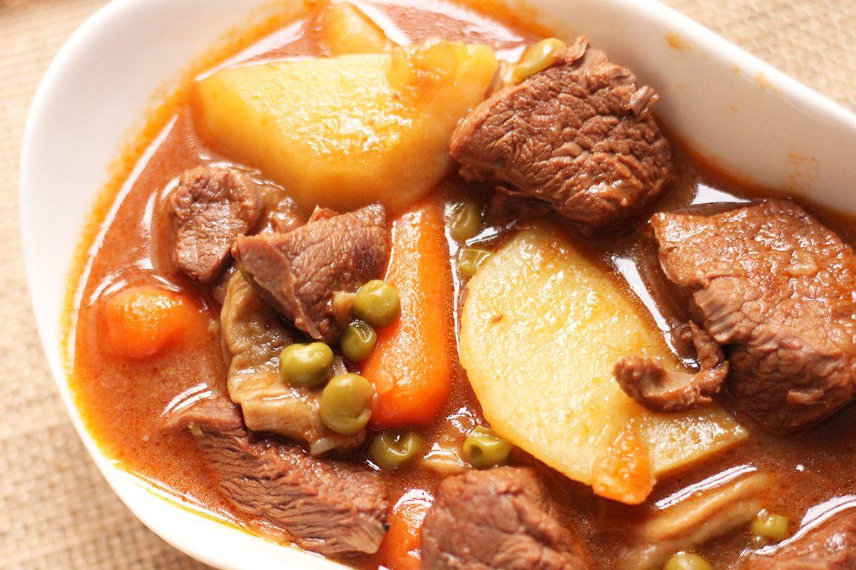 Spezzatino di manzo: la ricetta per preparare un secondo piatto classico