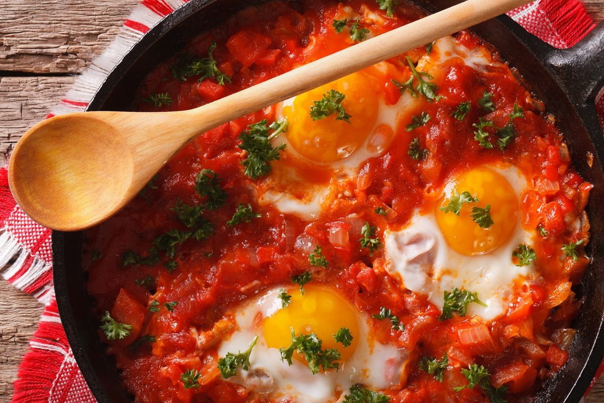 Ricetta Uova Con Pomodoro.Uova Al Pomodoro La Ricetta Del Secondo Piatto Facile E Veloce Da Preparare