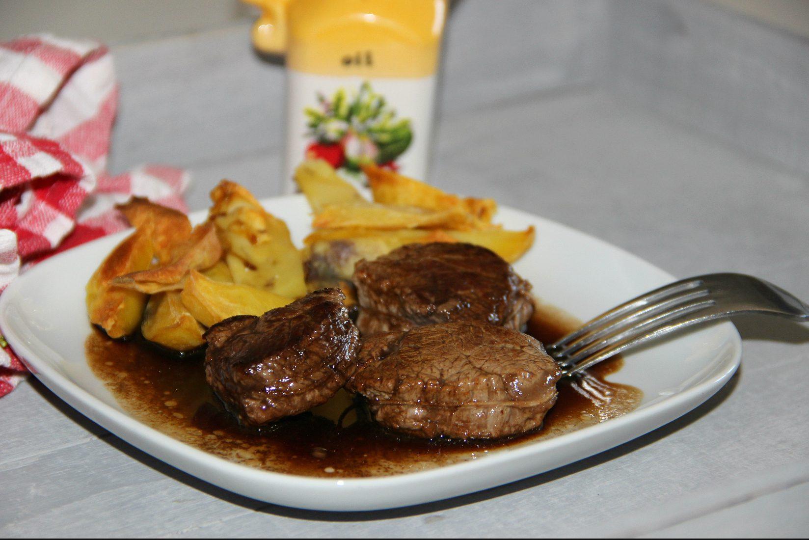 Filet mignon all'aceto balsamico: la ricetta del secondo raffinato