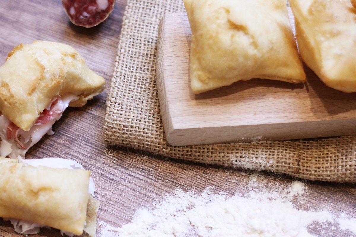 Gnocco fritto: la ricetta e i segreti del piatto tipico emiliano