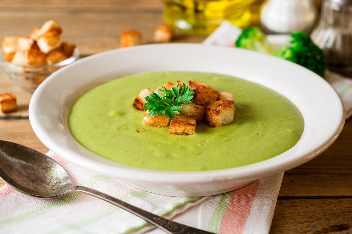 Vellutata di broccoli: la ricetta del piatto semplice e gustoso ideale per l'inverno