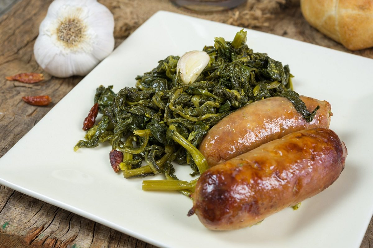 Salsicce e friarielli: la ricetta tipica napoletana dal gusto unico