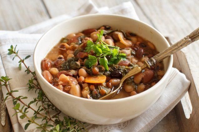 zuppa di legumi dieta ricetta