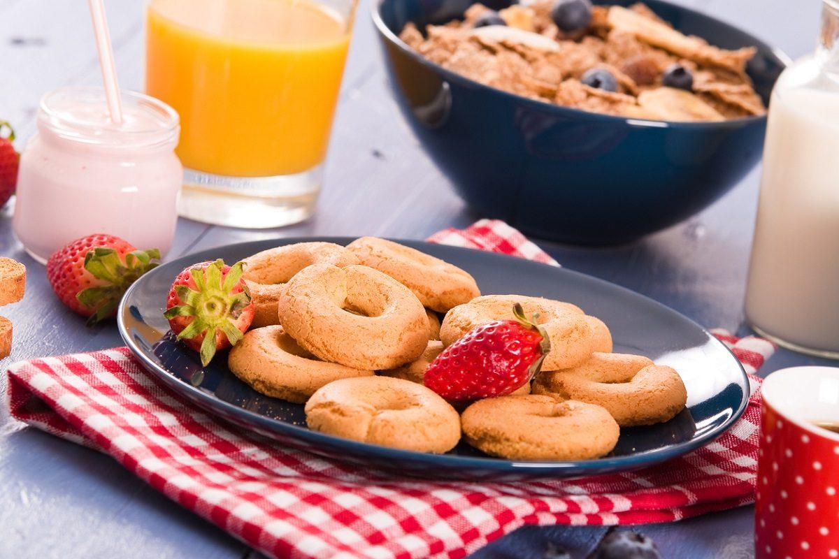 Biscotti al latte: la ricetta dei biscotti da inzuppo per la colazione