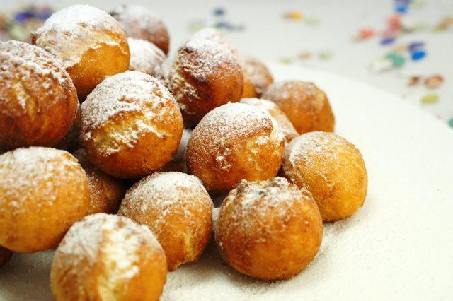 Castagnole di ricotta: la ricetta dei dolcetti di Carnevale soffici e veloci